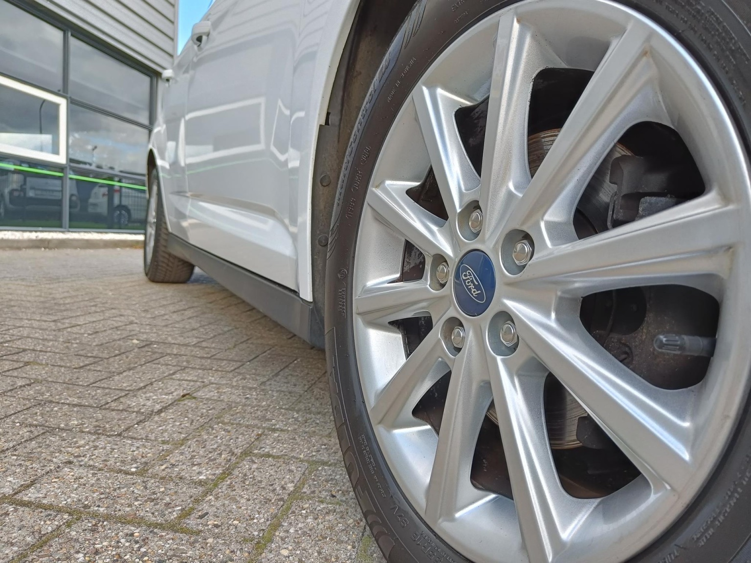 Ford-C-MAX-10
