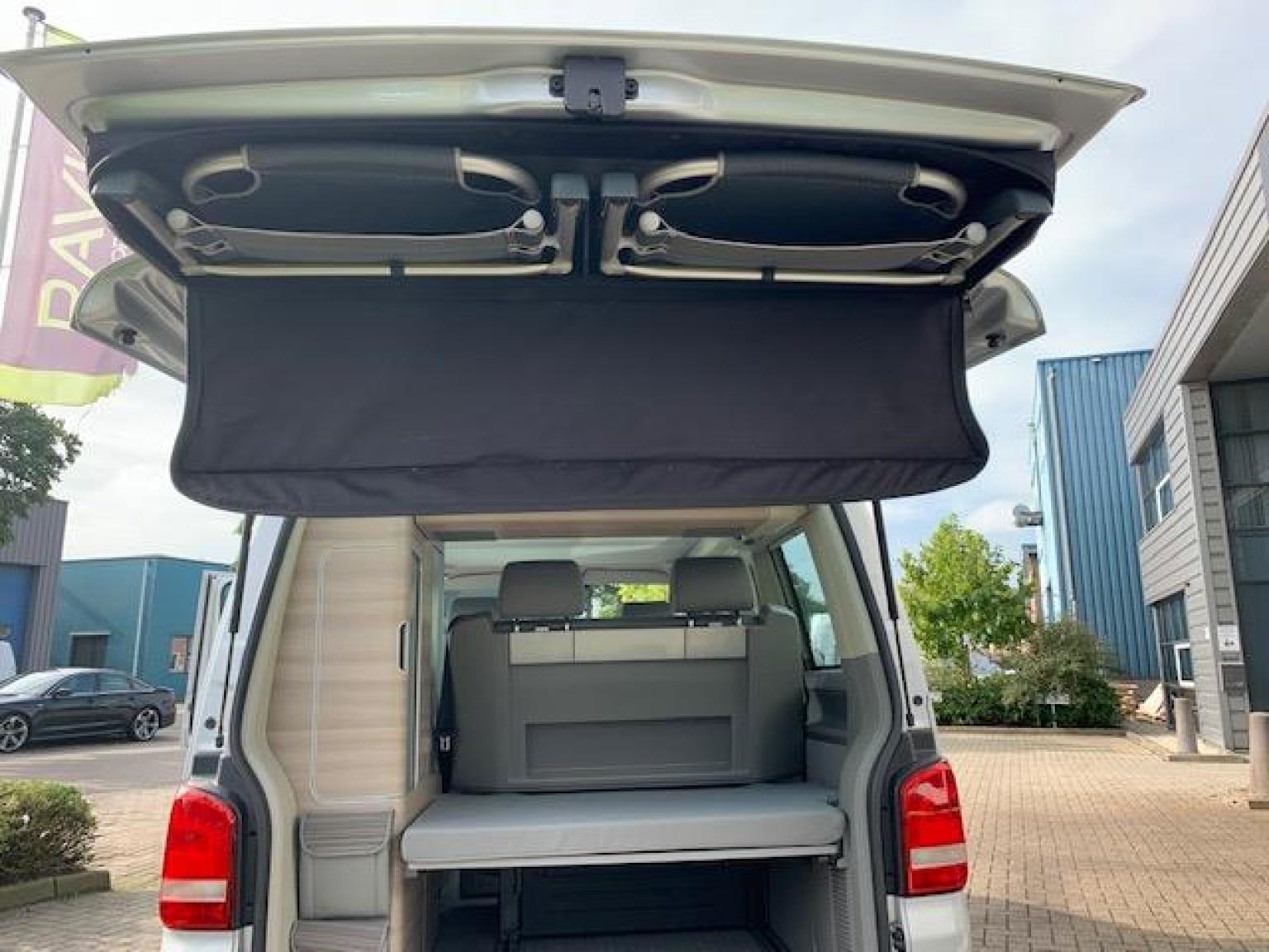 Volkswagen-Camper-19